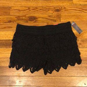 ⭐️NWT No Boundaries black lace shorts. Size Small